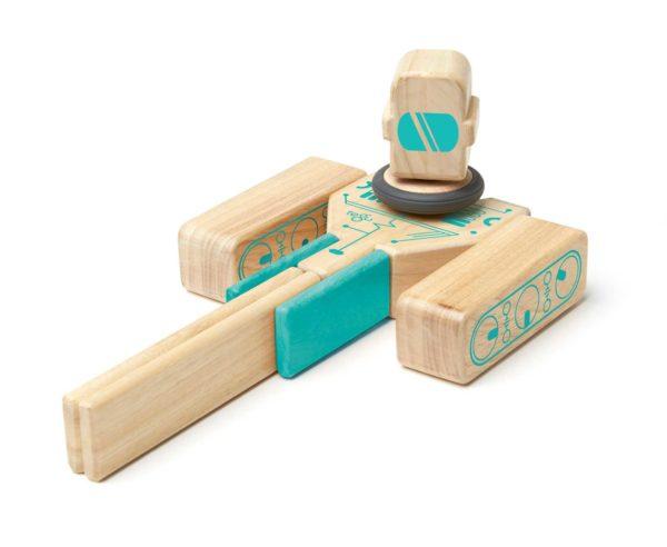 Hračke pre deti 1+. Magnetická stavebnica. Drevenné hračky.